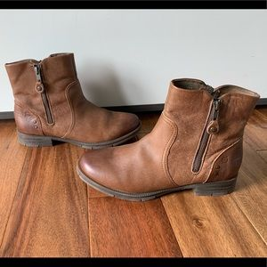 Born Camel Colored Leather Ankle Boots Size 9.5